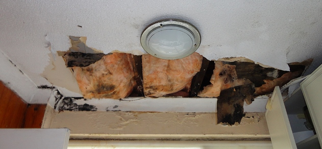poor ventilation of a cold roof
